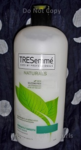 TRESemme Naturals Vibrantly Smooth Conditioner